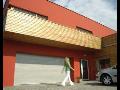 Garážová vrata, výroba a montáž Praha - hliníková, tepelně izolovaná