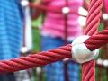 Lanové herní prvky Praha – zábavné lezecké doplňky na dětská hřiště