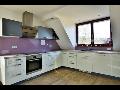 Kuchy�sk� studio - zak�zkov� v�roba kuchyn�, n�vrhy a konzultace zdarma