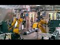 Robotizovan� pracovi�t� a manipul�tory rozhodn� uleh�� jakoukoliv pr�ci s b�emeny
