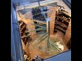 Interiérová skleněná vinotéka, netradiční domácí vinotéka ze skla
