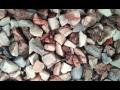 Okrasná kamenná drť na zahradu, do interiéru i hroby - růžová, bílá, zelená, hnědá (medová)