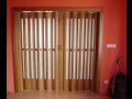 Dřevěné lamelové dveře