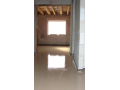 Pokládka cementové podlahy, camflow, samonivelačni potěr na bázai cementového poijiva