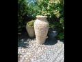 Amfory jako zahradn� dopln�k - okrasn� kamenn� v�zy na zahradu