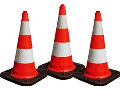 Pronájem dopravního značení a značek - kužely, směrovací desky i semafory