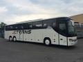 Autobusy na zájezd nebo školní výlet s bezpečnostními pásy - doprava bez zranění