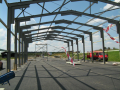 Mont� ocelov�ch konstrukc� hal, zem�d�lsk�ch objekt� pro skladov�n� i v�robu