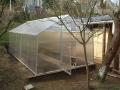 Lehký, montovaný skleník z lexanu-výroba, doprava i kotvení skleníků