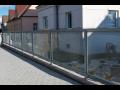 Výroba plotů, bran, schodišť, zábradlí, nábytku, přístřešky a haly z nerezové oceli i hliníku