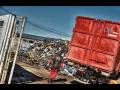 Zpracování a výkup kovového odpadu v Opavě - nakládka hydraulickou rukou, přistavení kontejneru