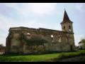 Obec Všestudy se zříceninou kostela svatého Michaela archanděla ze 14. století