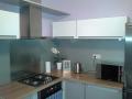 moderní skleněné obklady do kuchyně