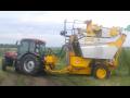 Predaj techniky do viníc a sadov - stroje na zber hrozna Hodonín, Česká republika