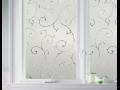 Samolepící okenní fólie vám poskytnou soukromí a ochrání proti slunečnímu záření