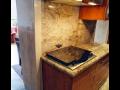 Zakázkové kamenické práce na míru z přírodního a umělého kamene v interiéru Praha