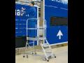 Pro práci ve výškách si opatřete kvalitní pracovní plošiny, žebříky, modulová schodiště