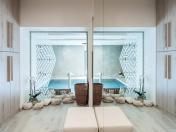Skleněné stěny a sanitární příčky do wellness a hotelu