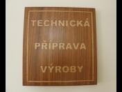 Frézované nápisy, cedulky a piktogramy - CNC frézování dřeva a překližky