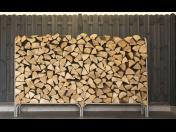 Ocelové stojany na palivové dřevo jsou zárukou perfektního proschnutí