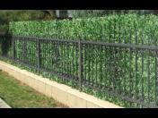 Realistické umělé živé ploty na zakázku Praha – rychlá instalace a snadná údržba