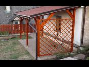 Dodávka a montáž dřevěných pergol i zastřešeného garážového stání