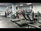 Spinning, indoor cycling - pravidelné lekce vysoce motivujícího kardio – vaskulárního cvičení