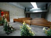 Základní pohřeb, pohřeb s obřadem a kremací, pohřeb s obřadem a pohřbení do země