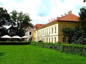 Hochzeit im Schlosshotel Lednice mit Luxusunterkunft, Hochzeitstag wie in einem Märchen