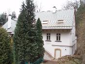 Střešní okna na střechy Praha – odborné poradenství a montáž