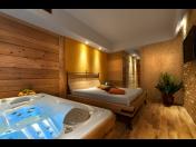Luxusní saunování Golf & Spa Kunětická Hora – soukromé saunování Cedrus SPA