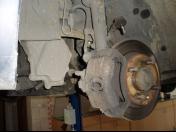 STK technická kontrola vozidla -  testování vozidla a hodnocení pro silniční provoz