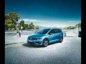 Kompaktní velkoprostorový vůz Volkswagen Touran pro rodiny s dětmi