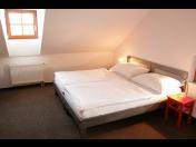 Ubytování pro rodiny s dětmi – rodinné pokoje a apartmány