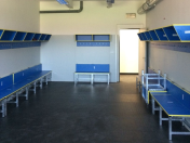 Odolné pryžové podlahy na stadiony, hokejové šatny, střídačky a chodby