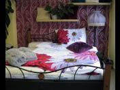Kvalitní postele a vybavení ložnice pro klidný spánek