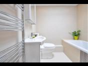 Sanitární keramika, vany, sprchové kouty – maloobchod a velkoobchod