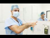 Plastická operace prsou pomáhá zvýšit sebevědomí žen – zvětšení, zmenšení a modelace