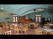 Parkování autobusů včetně zajištění ubytování poskytuje zájezdová restaurace