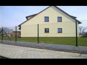 Výstavba betonových a pletivových plotů, oplocení na klíč