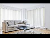 Montáž vertikální či dřevěné žaluzie – elegantní řešení pro váš útulný domov