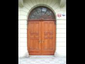 Restaurování - renovace dveří historických budov Praha a okolí
