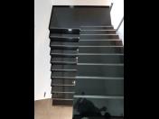 Kamenné schody do interiérů i exteriérů, schodiště, parapety - výroba z kamene na míru