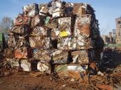 Zpracování a prodej kovošrotu – litinový a vsázky schopný kovový odpad, ocelové a litinové třísky