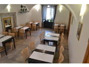 Vhodné školící místnosti pro konání školení či konferencí a pohodlné ubytování pro firmy