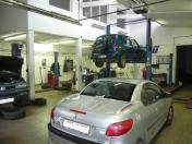 Servis osobních a užitkových vozů všech značek do hmotnosti 5t a výšky 3,5 metru