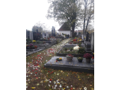 Urnové pomníčky, hroby a hrobky, ukládání uren, vysekání písma a gravírování