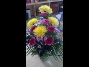 Dárkové, smuteční vazby a kytice za super ceny - prodej přímo u hřbitova
