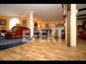Podlahářské práce - rekonstrukce podlah, pokládka koberců, PVC, vinylu