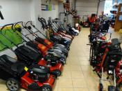 Motorové pily Echo, sekačky, křovinořezy a traktory Honda - prodej zahradní techniky